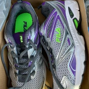 Girls Size 1.5 Fila Royalty Tennis Shoes BNWT